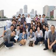4-19東京湾クルージング(船上集合写真2)