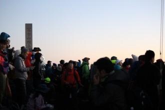 写真⑭ 山頂到着 (640x427)