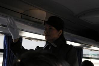 5:バス(ガイドさん)
