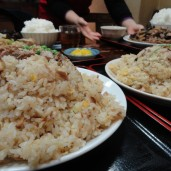 神田で有名な中華料理屋さん「徳萬殿」にて超大盛りランチ!