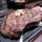 大盛部 『いきなりステーキ 秋葉原万世橋店』で2㎏の肉塊に挑戦!
